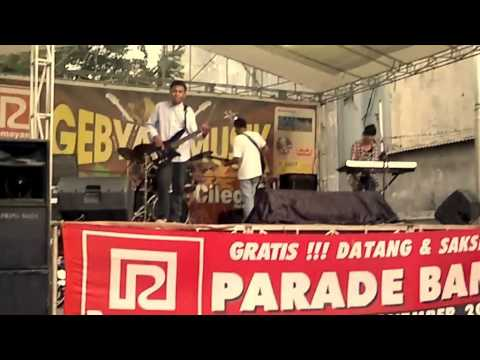 KAZOKU BAND cover Paramore Ignorance @Ramayana Cilegon