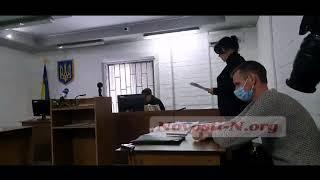 В Николаеве в суд привезли подозреваемого в покушении на Титова (онлайн)