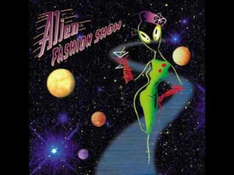 Alien Fashion Show - Crazy Moon online metal music video by ALIEN FASHION SHOW
