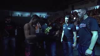 Abertura primeira luta de MMA