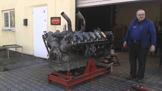 V12 Panzer Motor