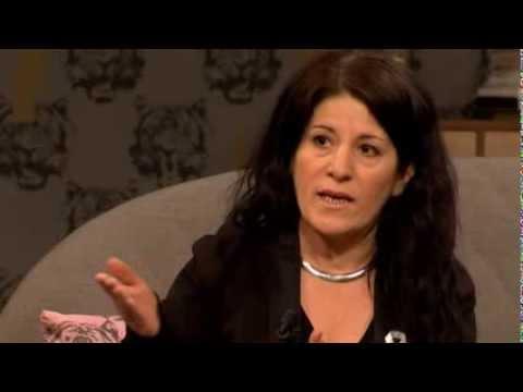 Sara Mohammad könsstympades som litet barn - Malou Efter tio (TV4)
