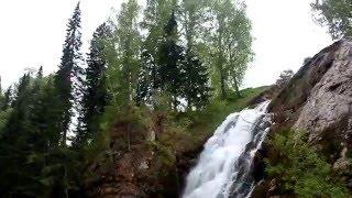 Как выглядит Пещерский водопад в Алтайском крае