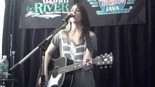 KT Tunstall-Madame Trudeaux (acoustic)