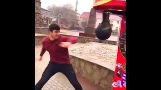 Супер сильный уличный удар 999 разрушаем автомат | Super strong street blow 999 destructible machine