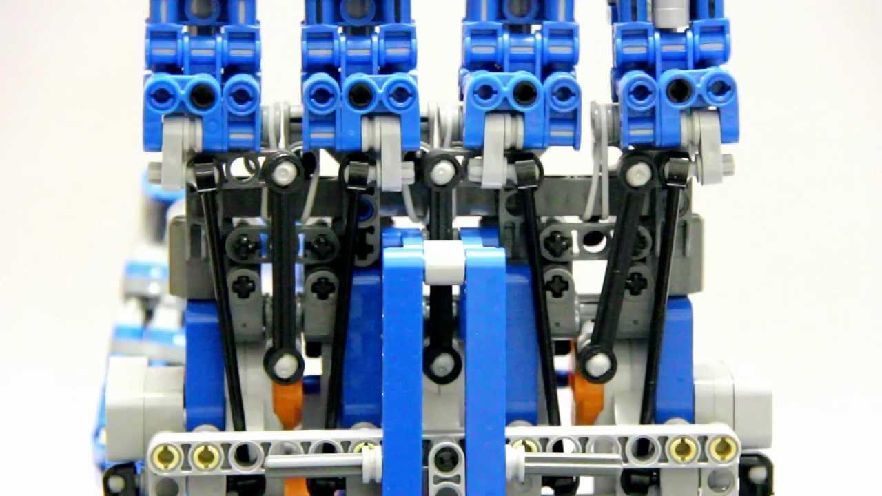 Amazingly Articulated Robot Hand: Skynet Meets Lego