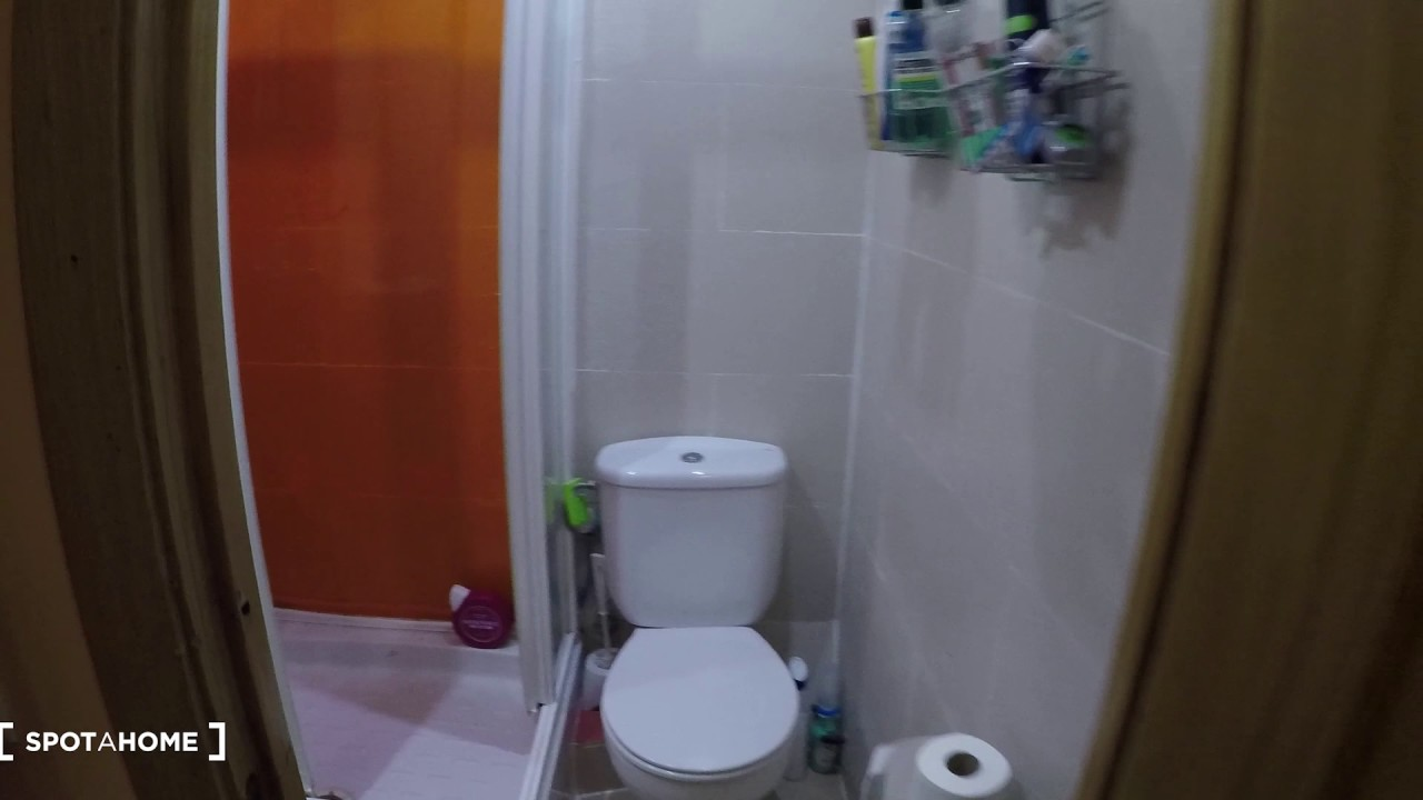 Rooms for rent in modern 6-bedroom apartment in Chamberi