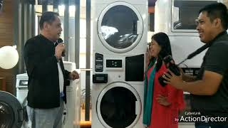 How to operate a self service laundry machine of Maytag