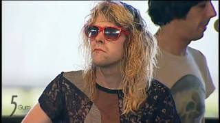 Ariel Pink refusing to sing Fright Night (Coachella 2011)