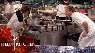 incompetent Chef BURNS CABBAGE | Hell's Kitchen