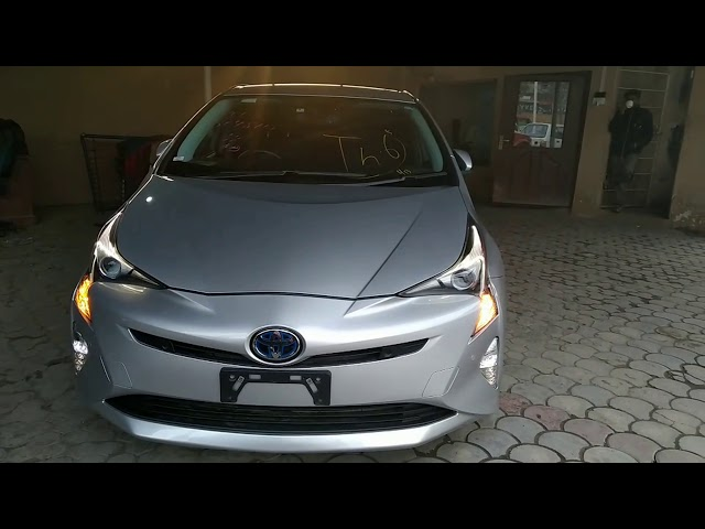 Toyota Prius S 2017 for Sale in Lahore