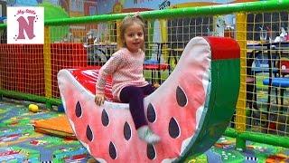 ВЛОГ Детский развлекательный центр Горки батуты кубики шарики kid