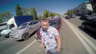 Испугался мотоциклистки и напал