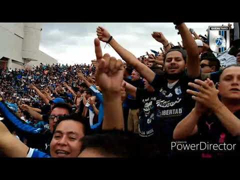 """""""LA RESISTENCIA ALBIAZUL VS LA GUERRILLA"""" Barra: La Resistencia Albiazul • Club: Querétaro"""
