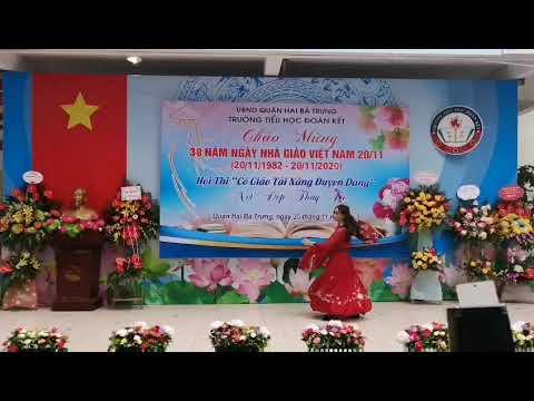 Tiết mục dự thi Cô giáo tài năng duyên dáng của cô giáo Nguyễn Thu Huyền