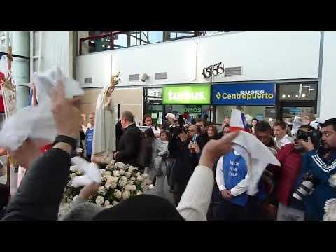 (1)Cenizas de Chile. El momento que la Virgen de Fátima llega al Aeropuerto de Chile. 16-09-2019