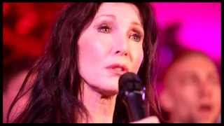 """Watch Joanna Gleason's Beautiful Cover of James Taylor's """"Close Your Eyes"""""""