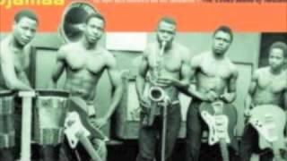 Usijipendekeze – Atomic Jazz Band [Tanzania]
