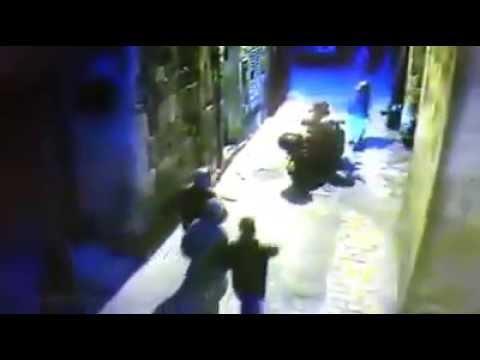 طعن جنديين اسرائيليين في القدس (فيديو)