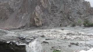 preview picture of video 'Ladakh flood 2010 - part 1 -'
