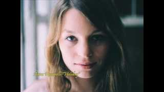 Anna Rossinelli - Holiday
