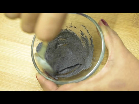Simpleng face mask na may-activate carbon