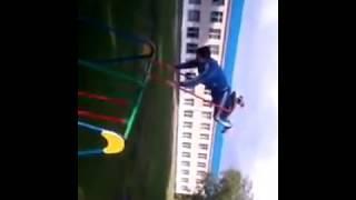 Мальчик застрял на качелях, ЖЕСТЬ СМОТРЕТЬ ДО КОНЦА!!😂