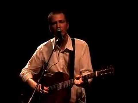 Peter Mulvey performs Dynamite Bill