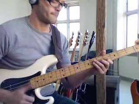 Funky slap P-bass E dominant 7