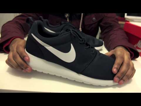 0e8e4ab1fdfa ... switzerland best sneakers c33d4 76ea7 nike rosherun navywhite unboxing  review on feet youtube video 80300 99abe