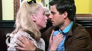 The Umbrellas of Cherbourg (1964) Video