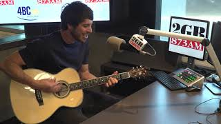 Morgan Evans Performs 'Young Again' Live In Studio