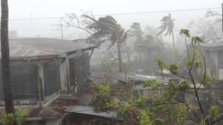 Exact footage of Typhoon Yolanda at Roxas City