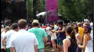 Lollapalooza 2011 - Dom - I Wonder (Live)