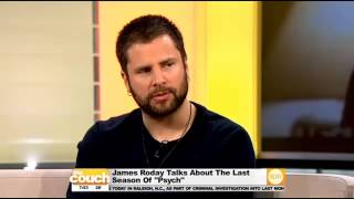 James Roday dans The Couch