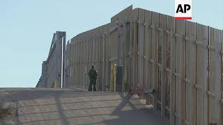 Border patrol guard as asylum seekers reach border