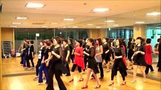 "Blue Umbrella Blues-""D,S"" Line Dance -(Dance & Walk Through)"