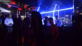 Шуточный стриптиз в ночном клубе