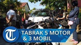 Mobil Bak Terbuka Seruduk 5 Kendaraan Roda Dua dan 3 Kendaraan Roda Empat