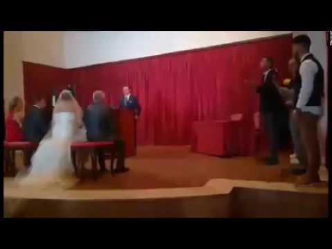 Familia García... Enrique Sanchez.. Canta en ceremonia