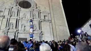 preview picture of video 'Castellers a les escales de la catedral de girona 2012 HD'