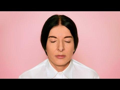 The Space in Between: Marina Abramovic and Brazil - Documental -  Explorando los límites entre el arte y la espiritualidad