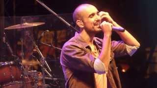 preview picture of video 'Abel Pintos - Bailando con tu sombra (ALELI) - En Vivo Diamante 2014'