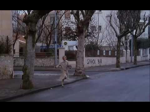 En haut des marches ( 1983 - extrait )