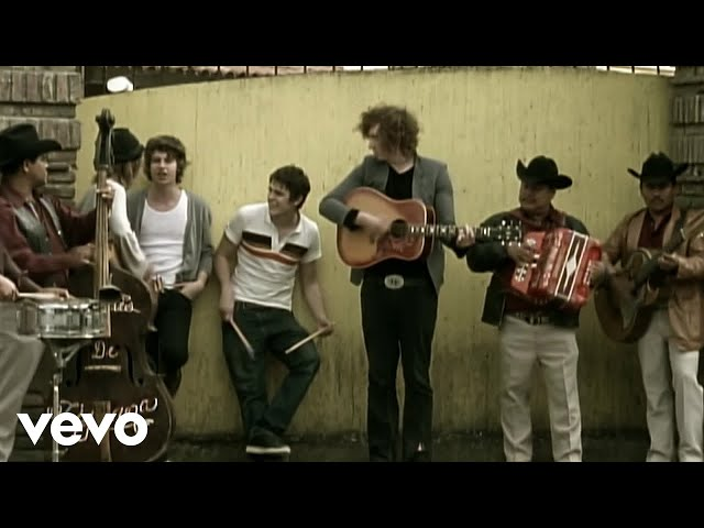 She Moves In Her Own Way (Lyric) - The Kooks