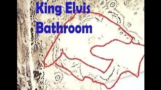 Secret  Elvis  Presely second floor bathroom exposed