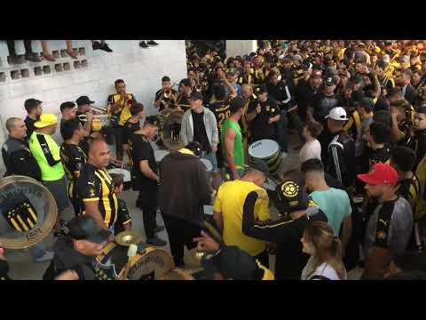 """""""Previa de la Percusión - Hinchada de Peñarol (vs racing)"""" Barra: Barra Amsterdam • Club: Peñarol"""