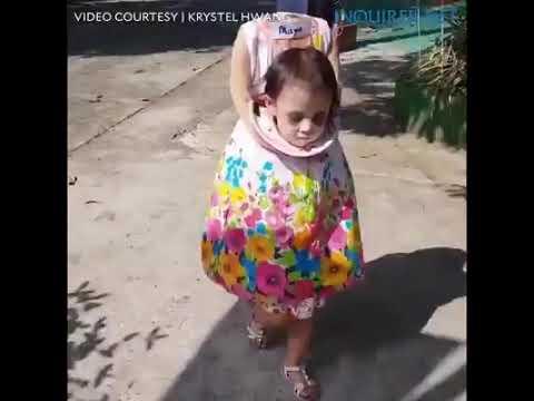 Disfraz de Niña de 2 años realmente aterrador tienes k verlo