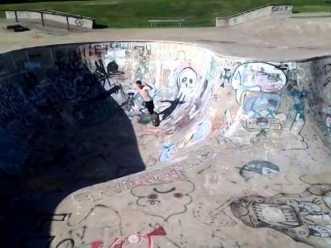 Jonesboro skate park, white boi part 1