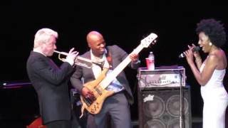 Chris Botti & Sy Smith The Very Thought Of You/The Look Of Love at Greek Theater 2016